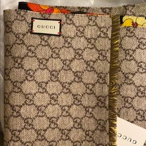 Authentic Gucci silk scarf double sided